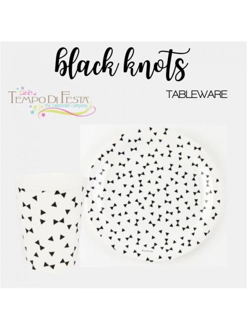 BLACK KNOTS PAPER PLATES...